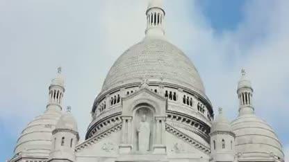 Paris - Happy - Pharrell
